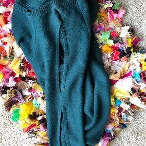 NWOT Torrid forest green cold shoulder sweater